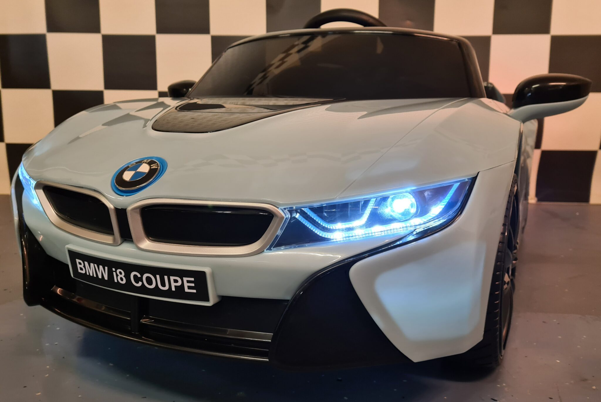 BMW i8 elektrische accu speelgoedauto 12V 2.4G afstandsbediening blauw