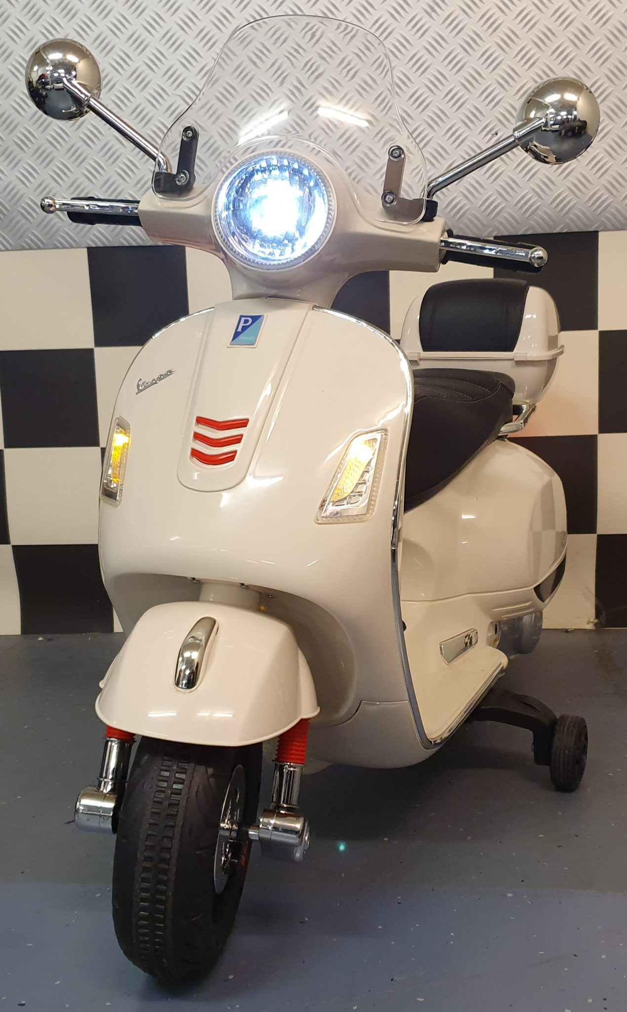 Vespa kinder scooter 12 volt wit