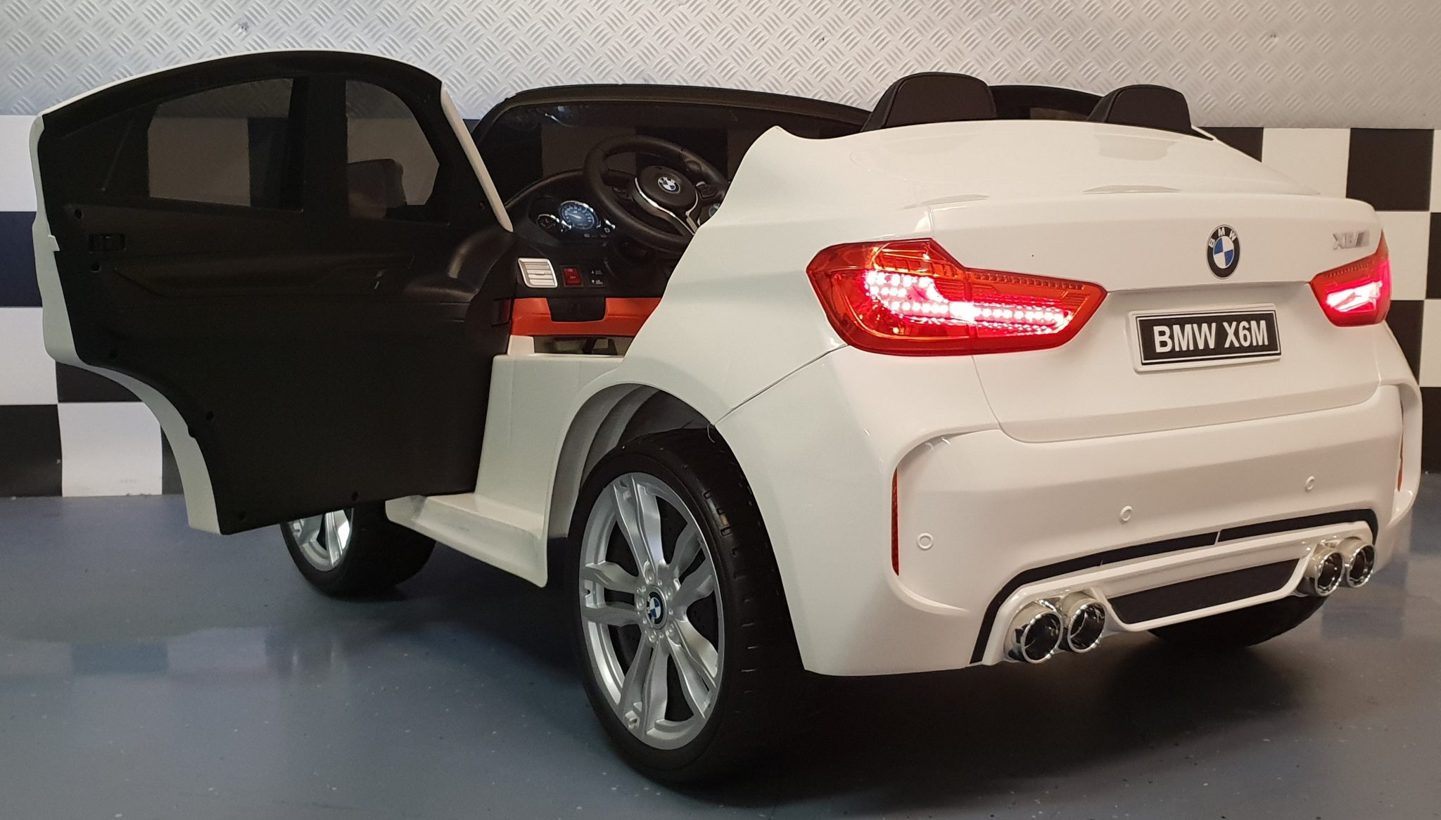 bmw x6 m serie kinderauto 2 persoons wit 12v 2 4g rc. Black Bedroom Furniture Sets. Home Design Ideas