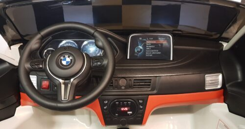 Dashboard X6 M kinderauto wit