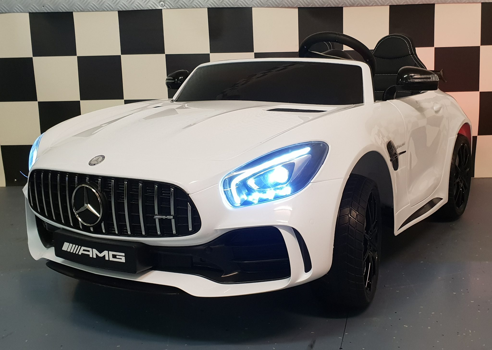 Mercedes 2 persoons kinderauto AMG GTR 2×12 volt 4WD wit