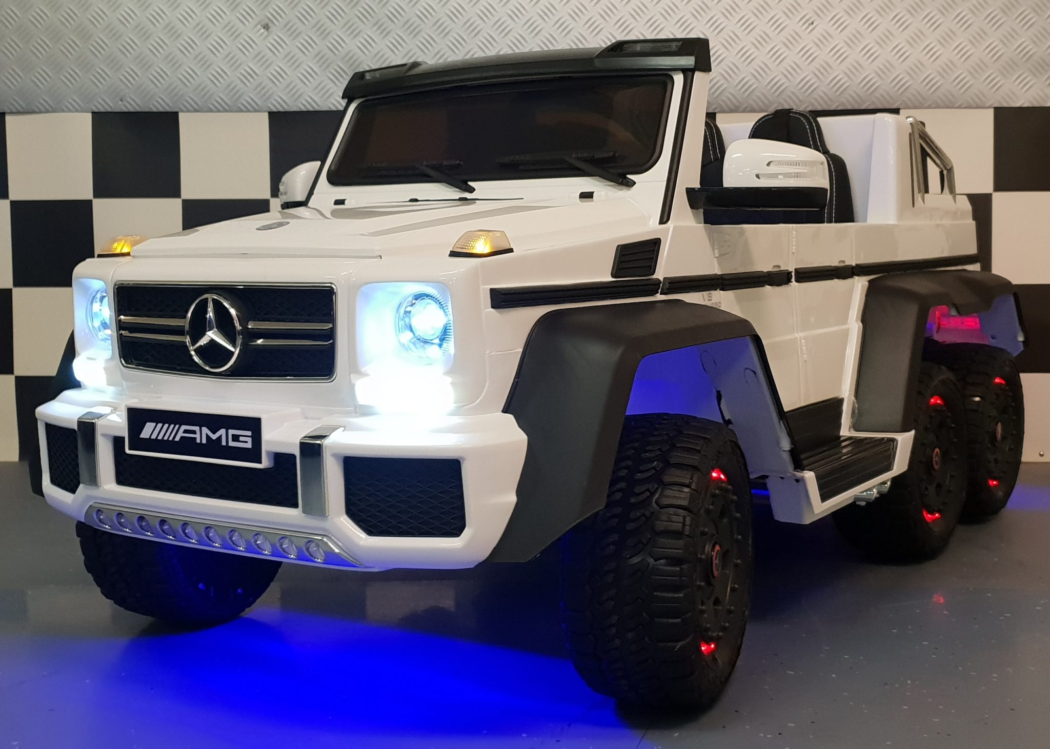 Elektrische kinderjeep Mercedes Benz G63 AMG duo zit met RC wit