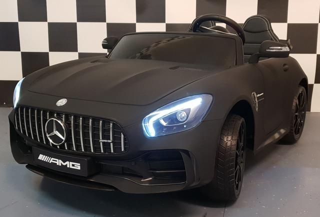 2 persoons accu kinderauto Mercedes AMG  GTR   2×12 volt 4WD  mat zwart