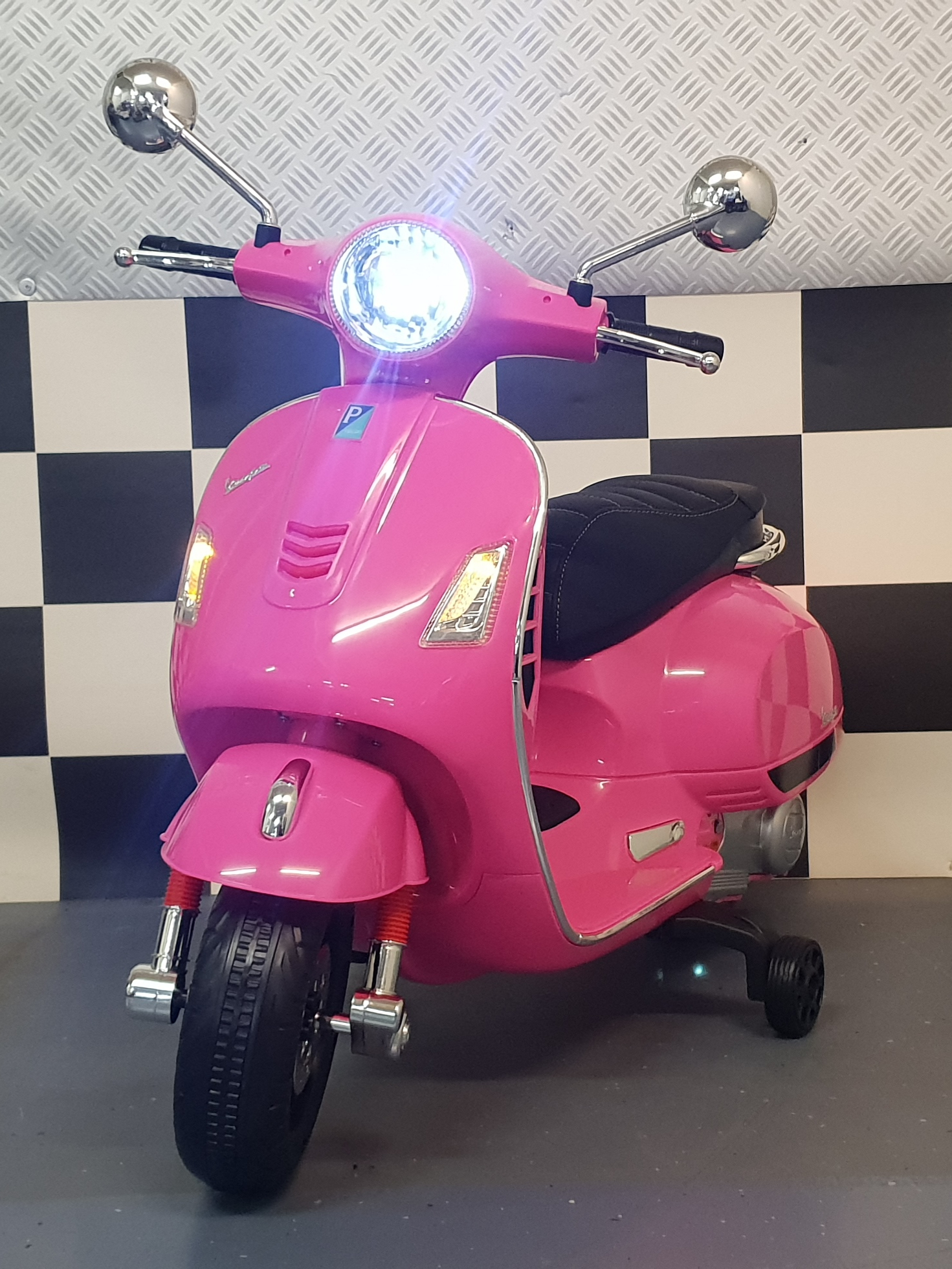 Vespa accu kinderscooter 12 volt Roze