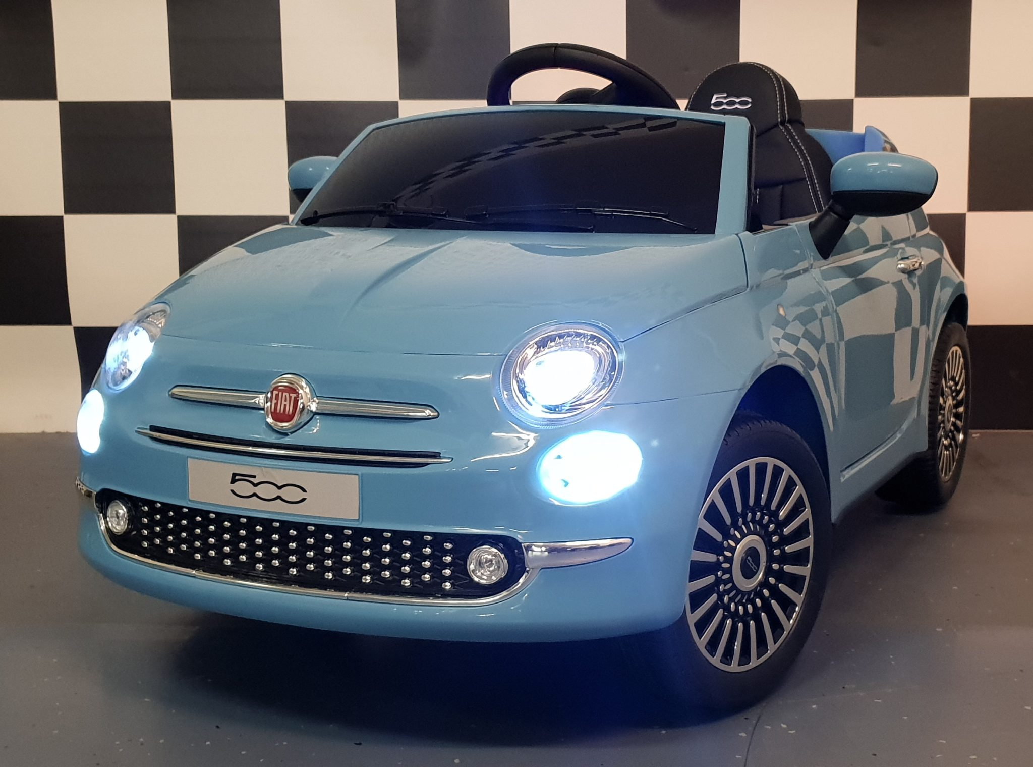 elektrische accu kinder auto fiat 500 met afstandbediening. Black Bedroom Furniture Sets. Home Design Ideas