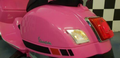 kinderscooter roze 12volt Vespa