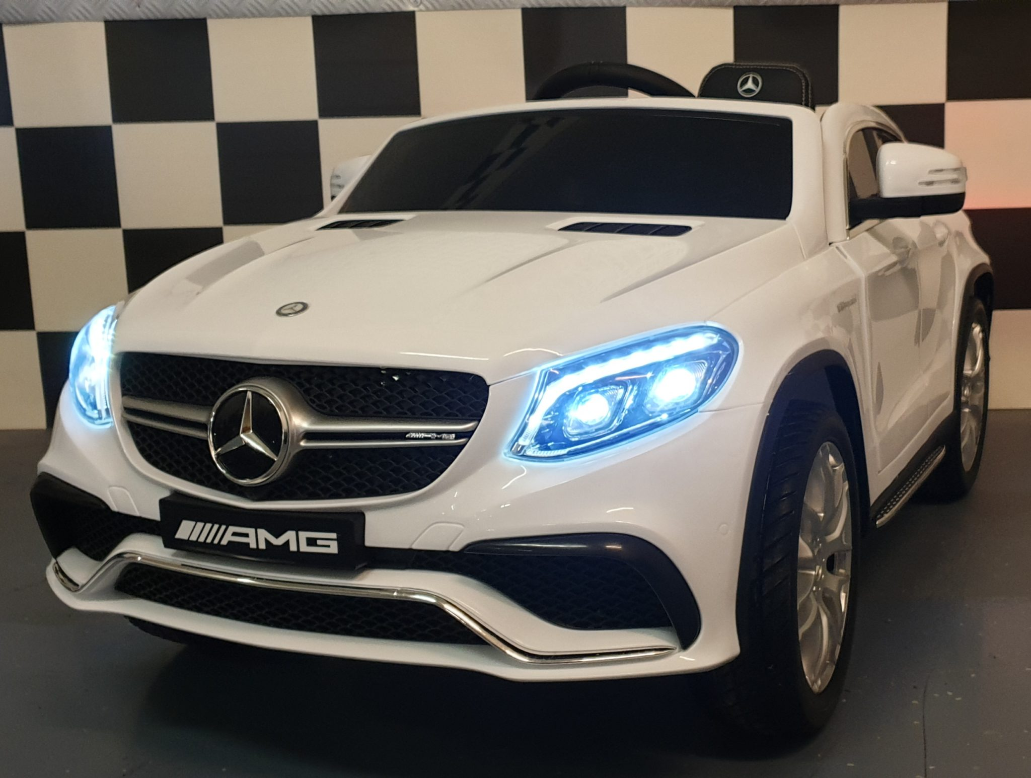 Mercedes AMG GLE accu speelgoedauto 2.4G RC 12V wit