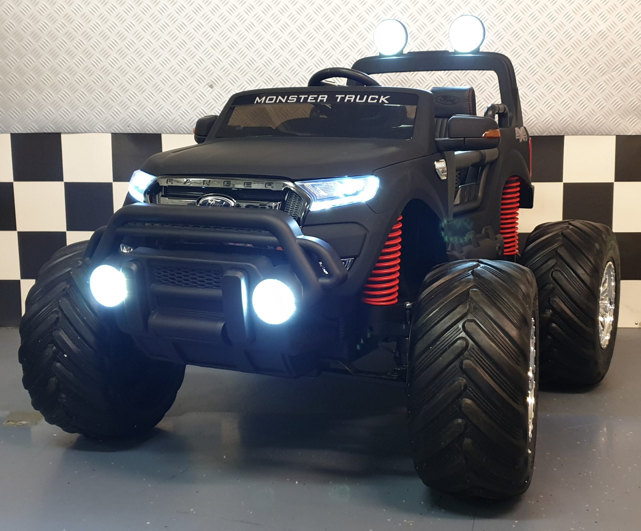 Monster Truck Ford Ranger kinderauto 2×12 volt 4 wheel drive 2.4G RC soft start