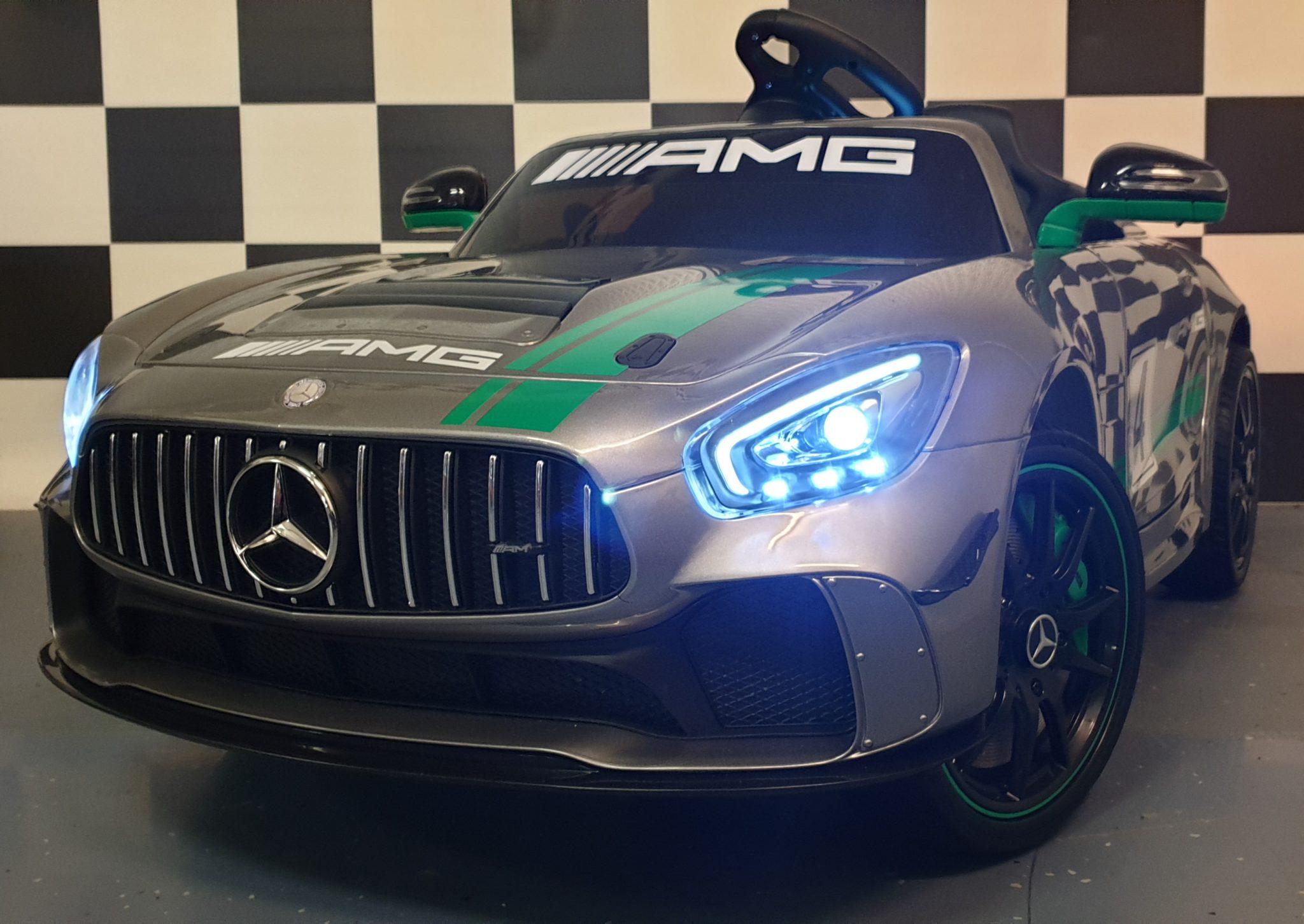 Kinderauto Mercedes GT AMG TV scherm 12Volt zilver