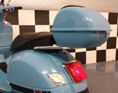 Vespa elektrische scooter blauw