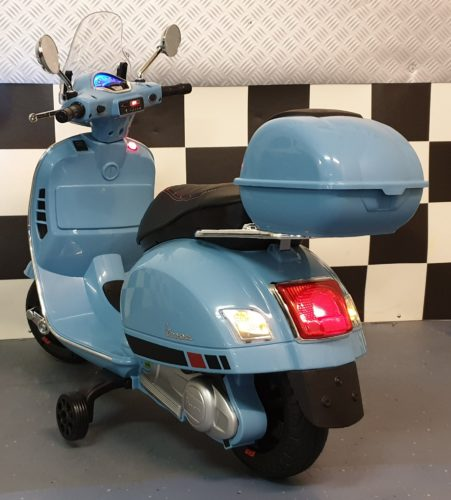 Vespa kinderscooter op accu