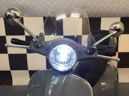 vespa kinderscooter scherm grijs