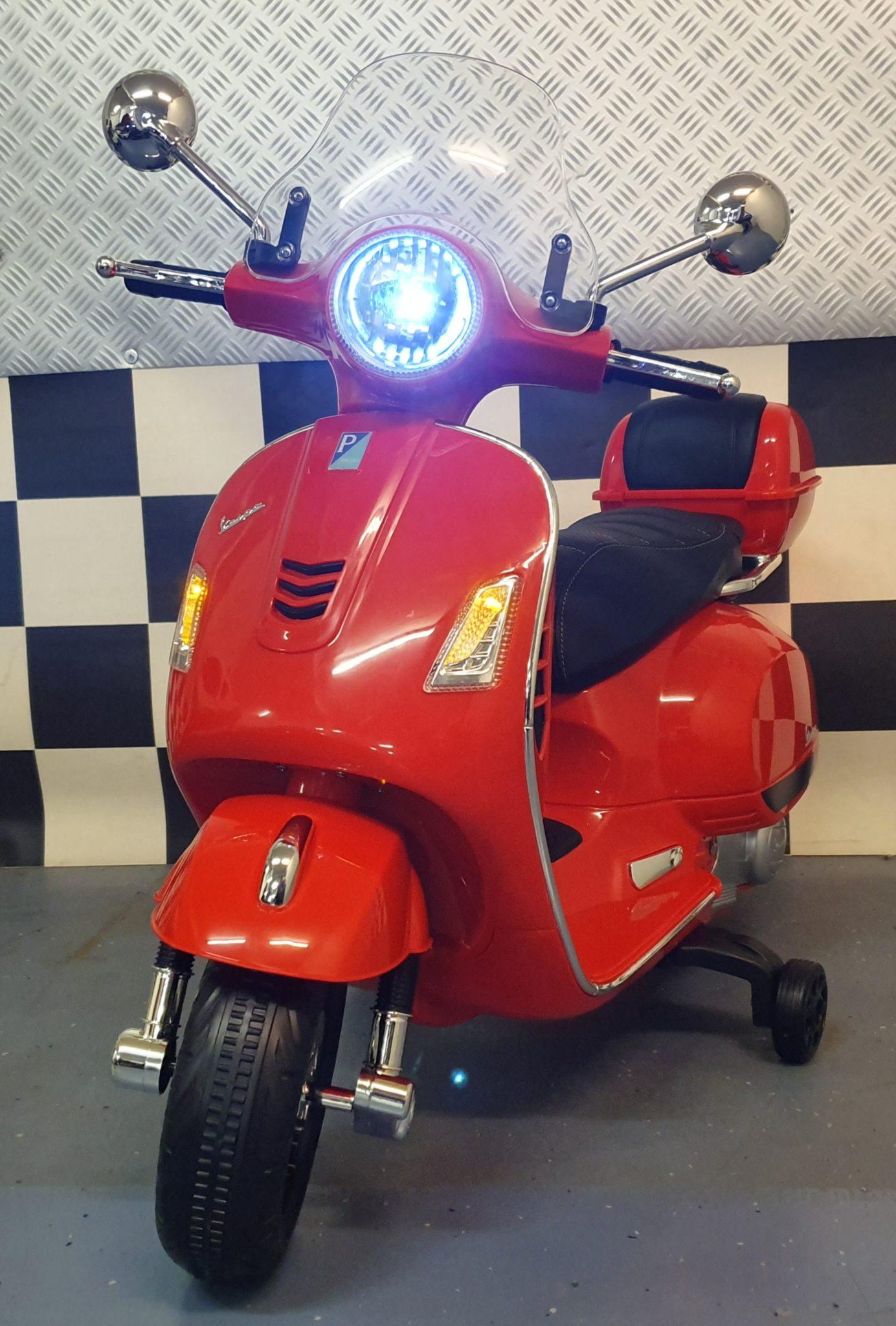Accu kinder scooter Vespa  12 volt  Rood