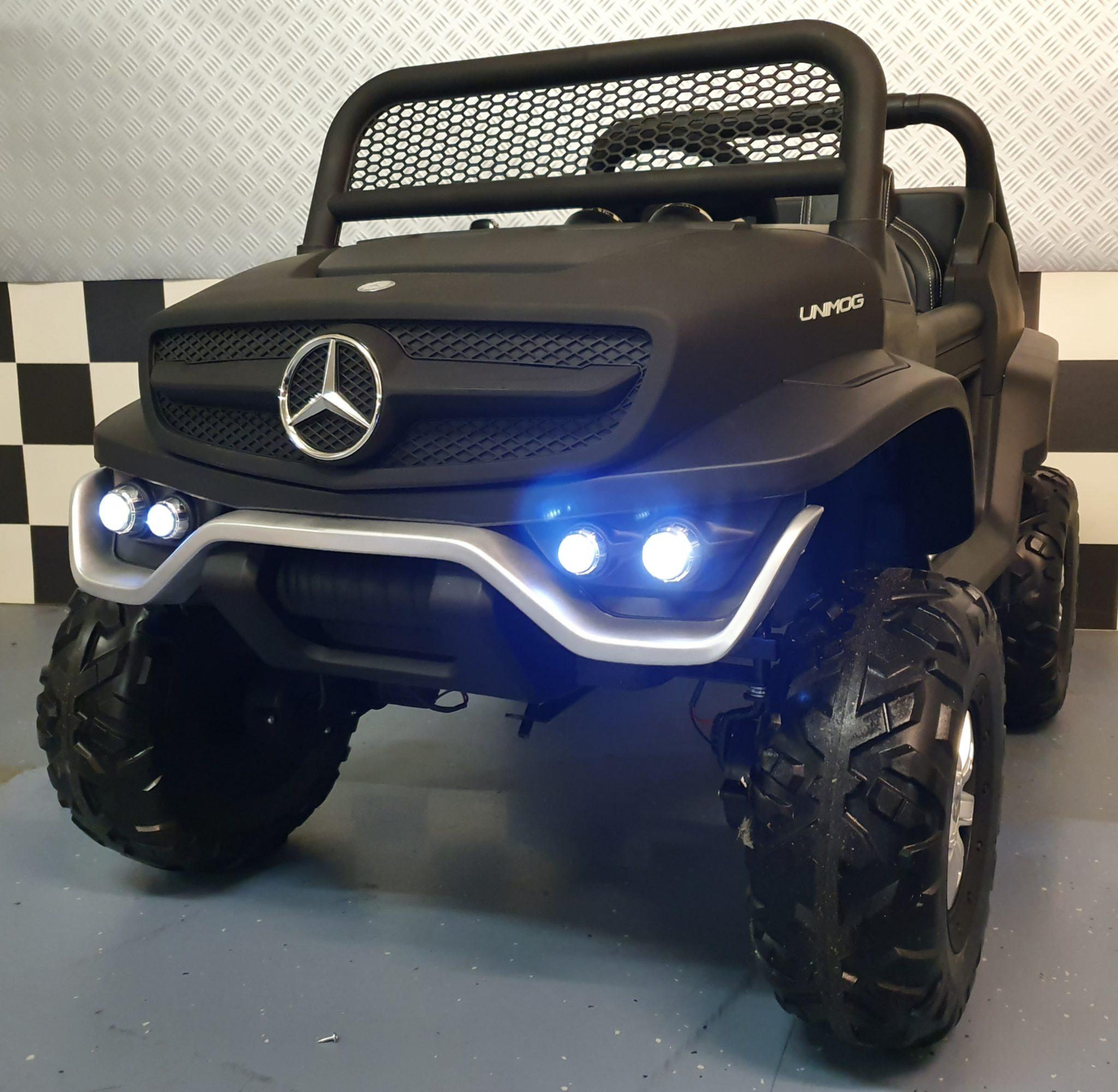 2 persoons Mercedes elektrische kinderauto Unimog 4 wheel drive mat zwart