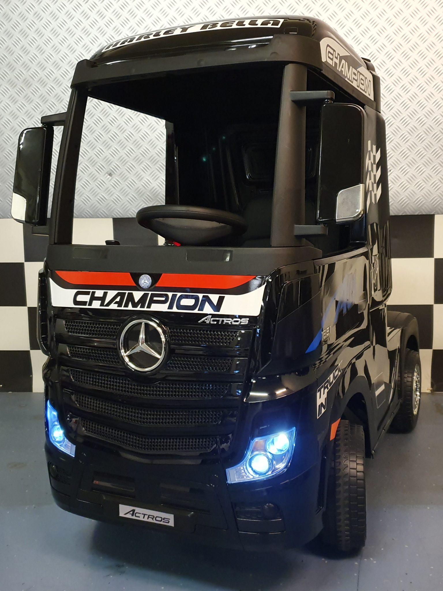 Elektrische kinder vrachtwagen Mercedes Actros met afstandbediening zwart