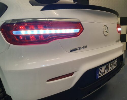 Mercedes Benz elektrische auto voor kind