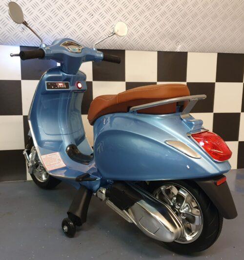 Vespa scooter Primavera