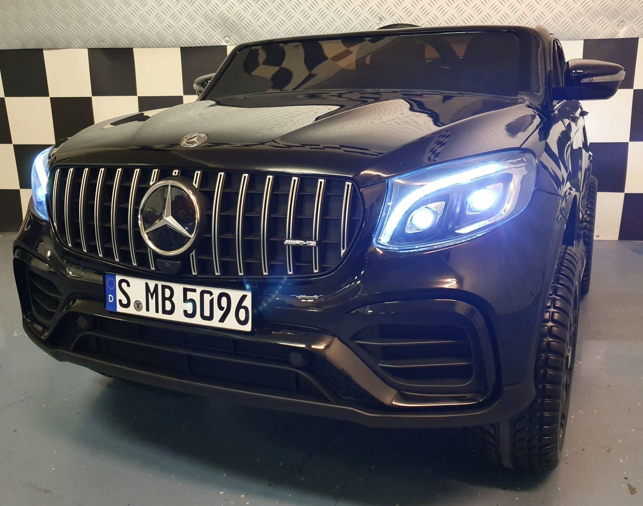 Elektrische auto kind Mercedes GLC63 2 persoons metallic zwart