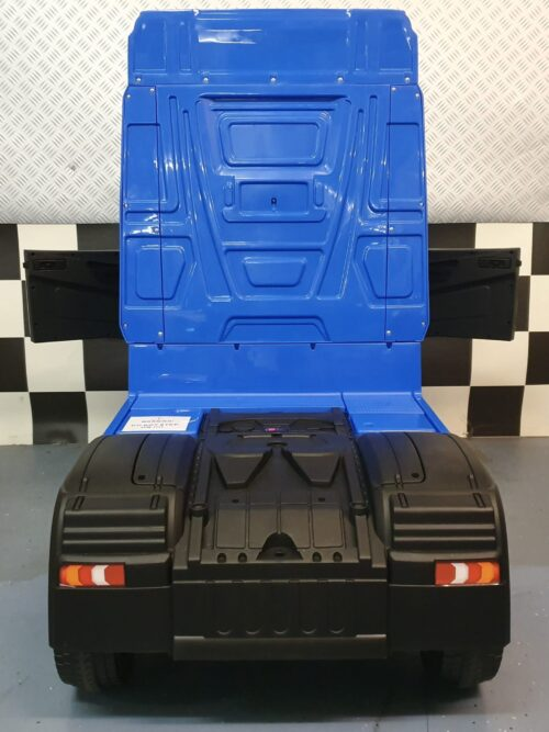 mercedes truck kind