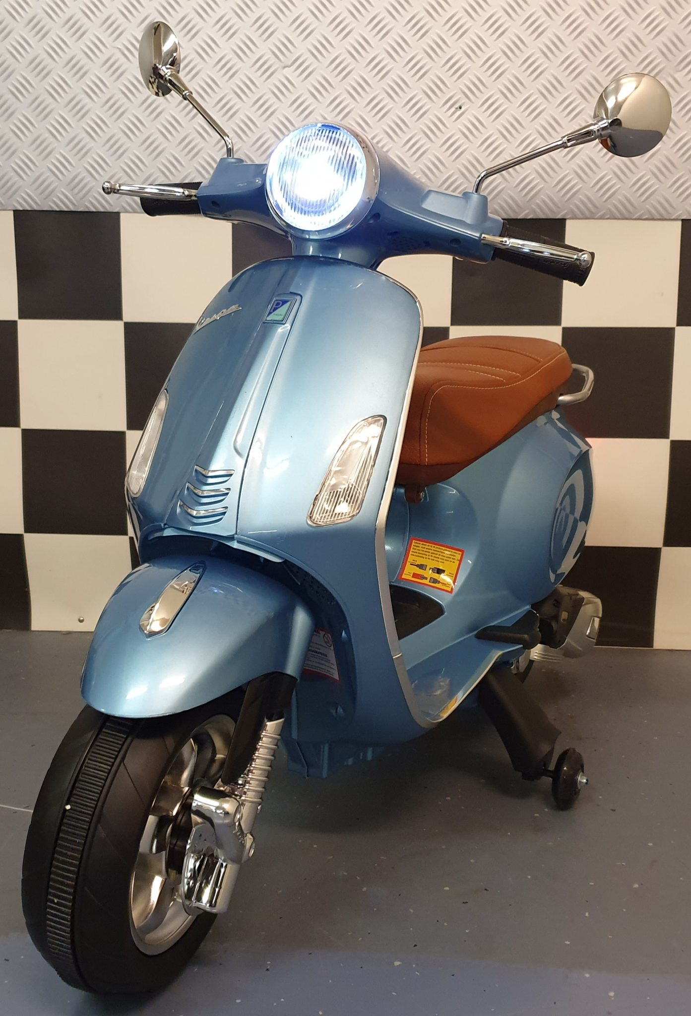 Vespa scooter kind Primavera 12 volt metallic blauw