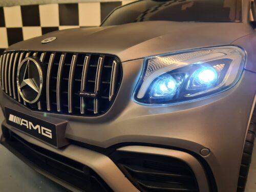 speelgoedauto Mercedes GLC