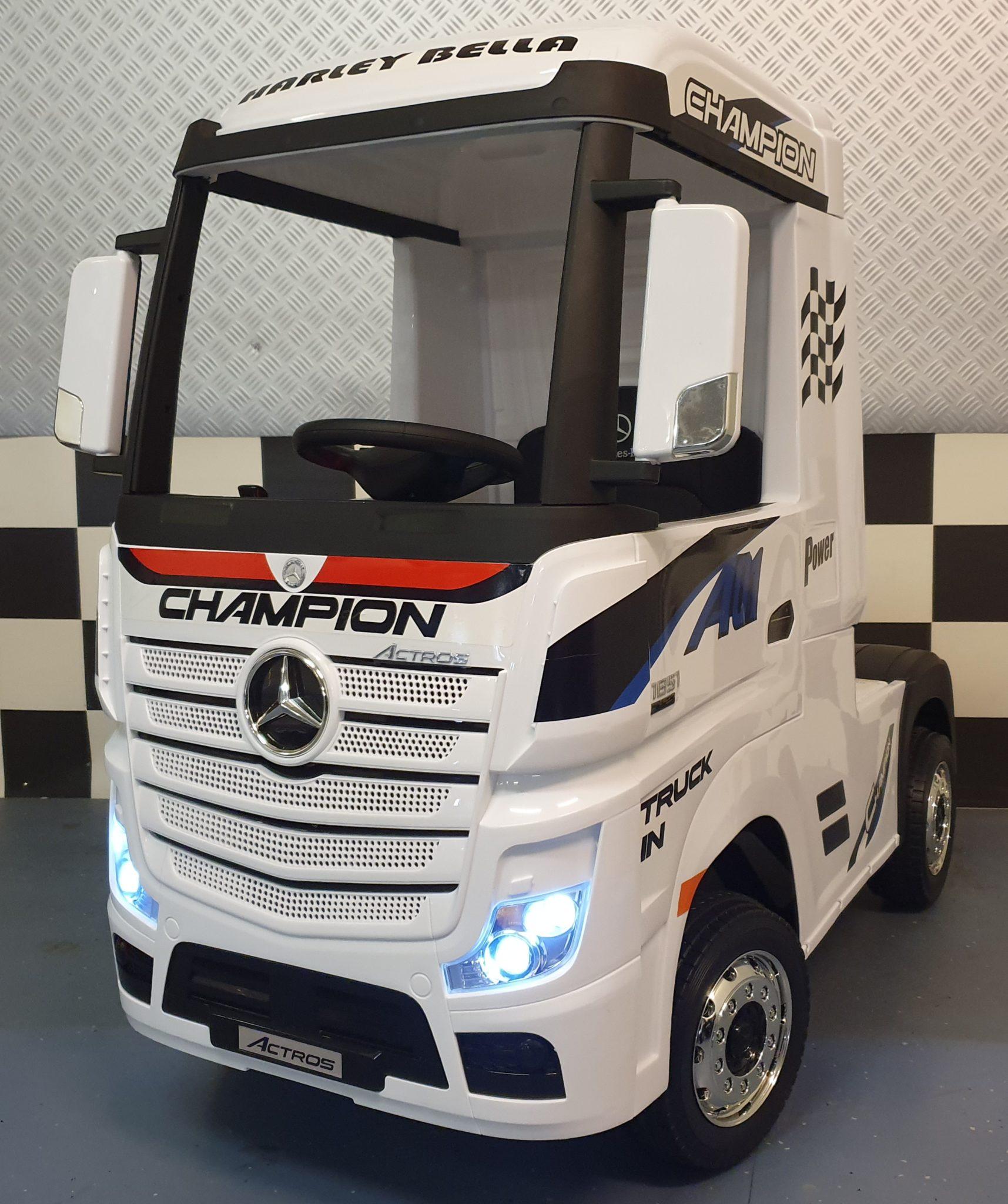 Kinder vrachtwagen elektrische Mercedes truck Actros met afstandbediening wit
