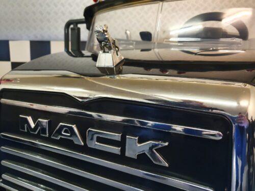 Speelgoed auto Mack