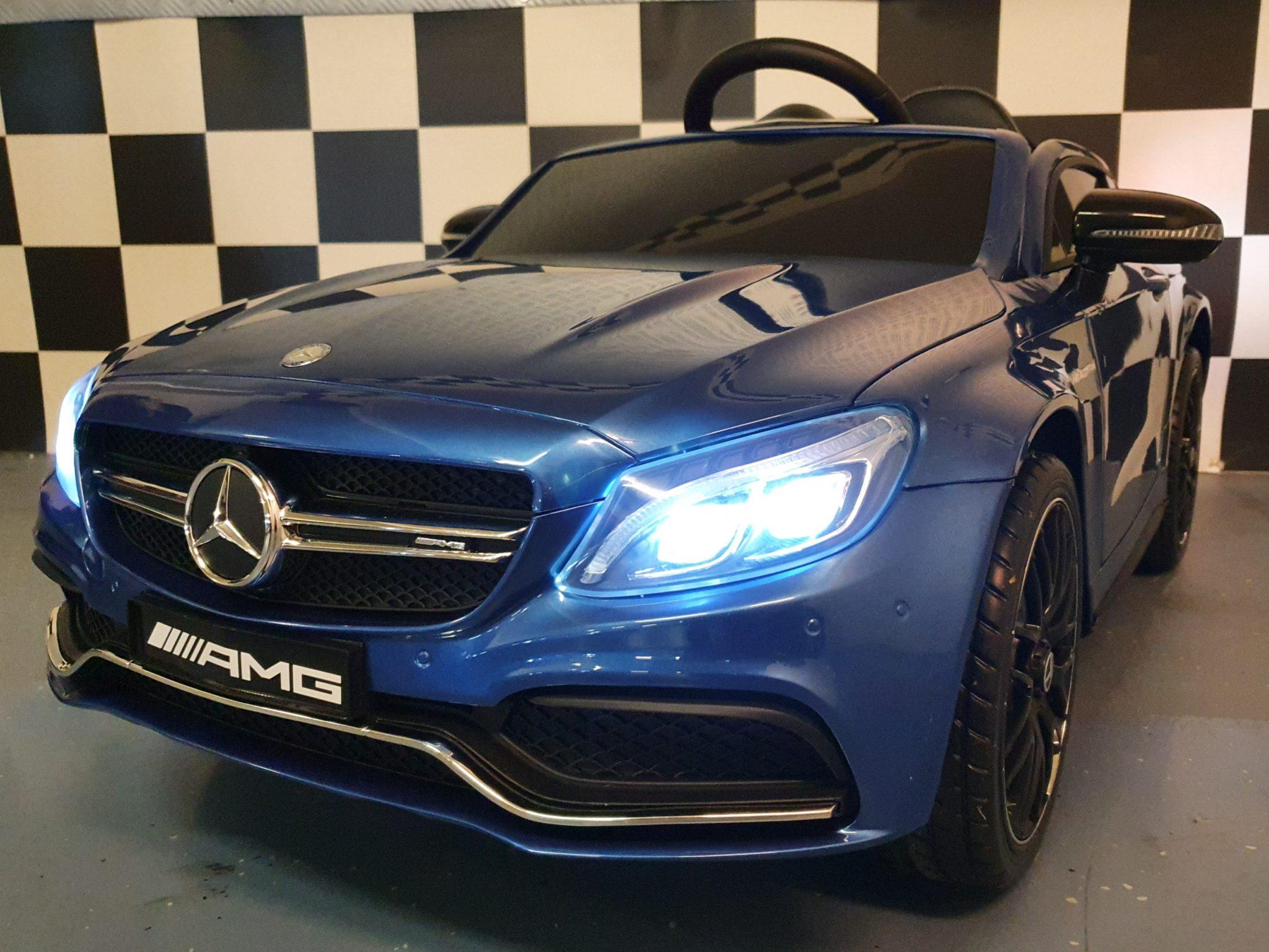 Elektrische speelgoedauto Mercedes C63 12 volt, 2.4G afstandbediening Metallic blauw