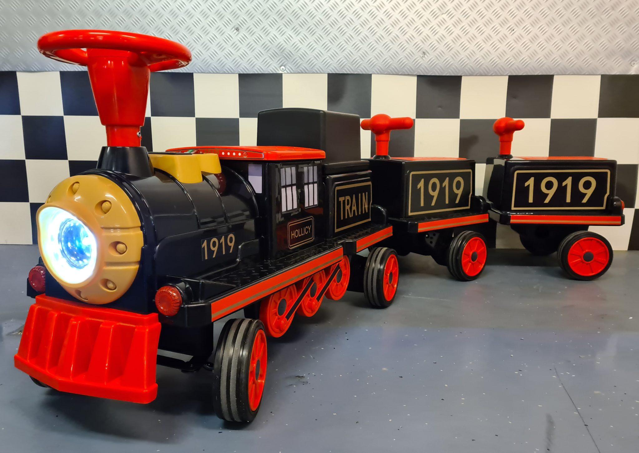 Elektrische kindertrein 12volt met 2 wagons en softstart