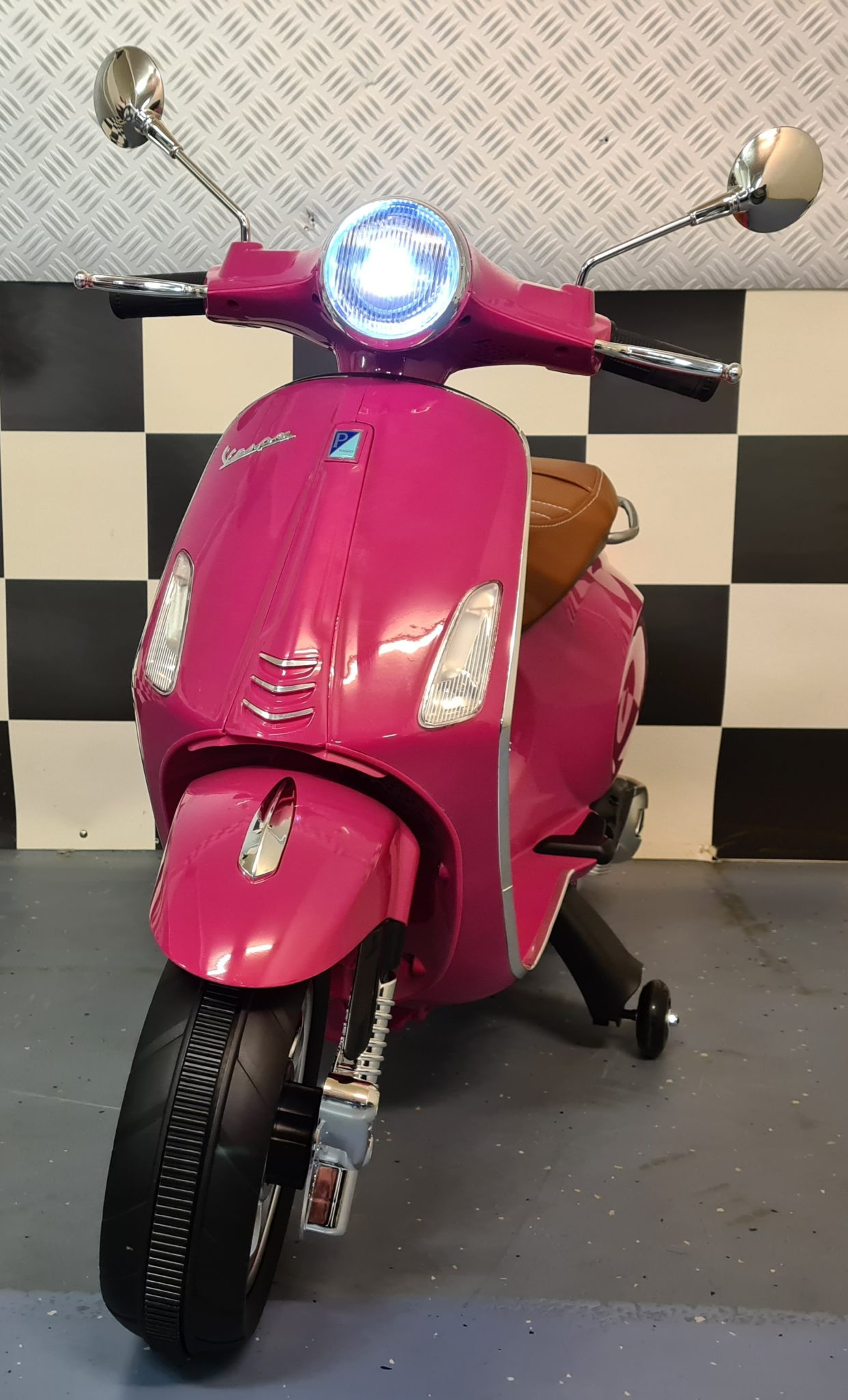 Kinder scooter Vespa Primavera 12 volt metallic roze