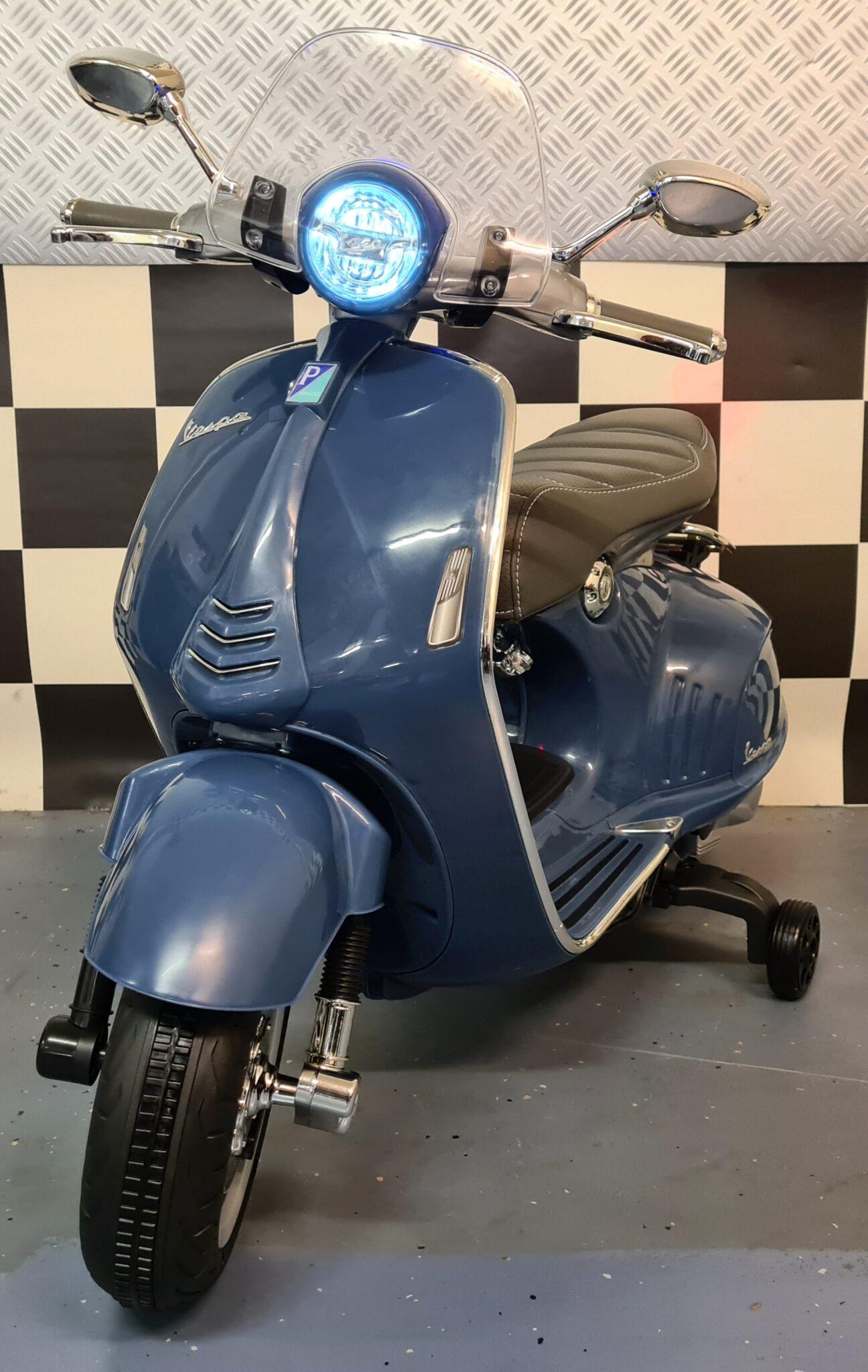 Scooter Vespa 946 kinderscooter 12 volt blauw