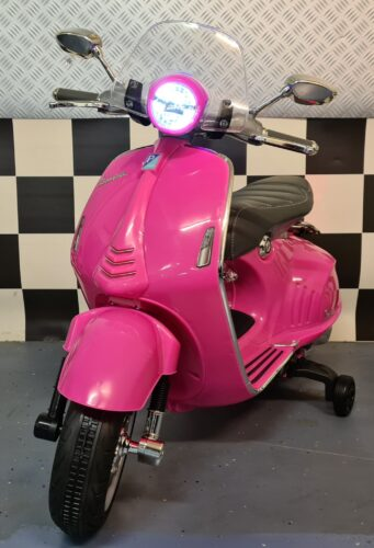 Vespa kinder accu scooter Vespa 946