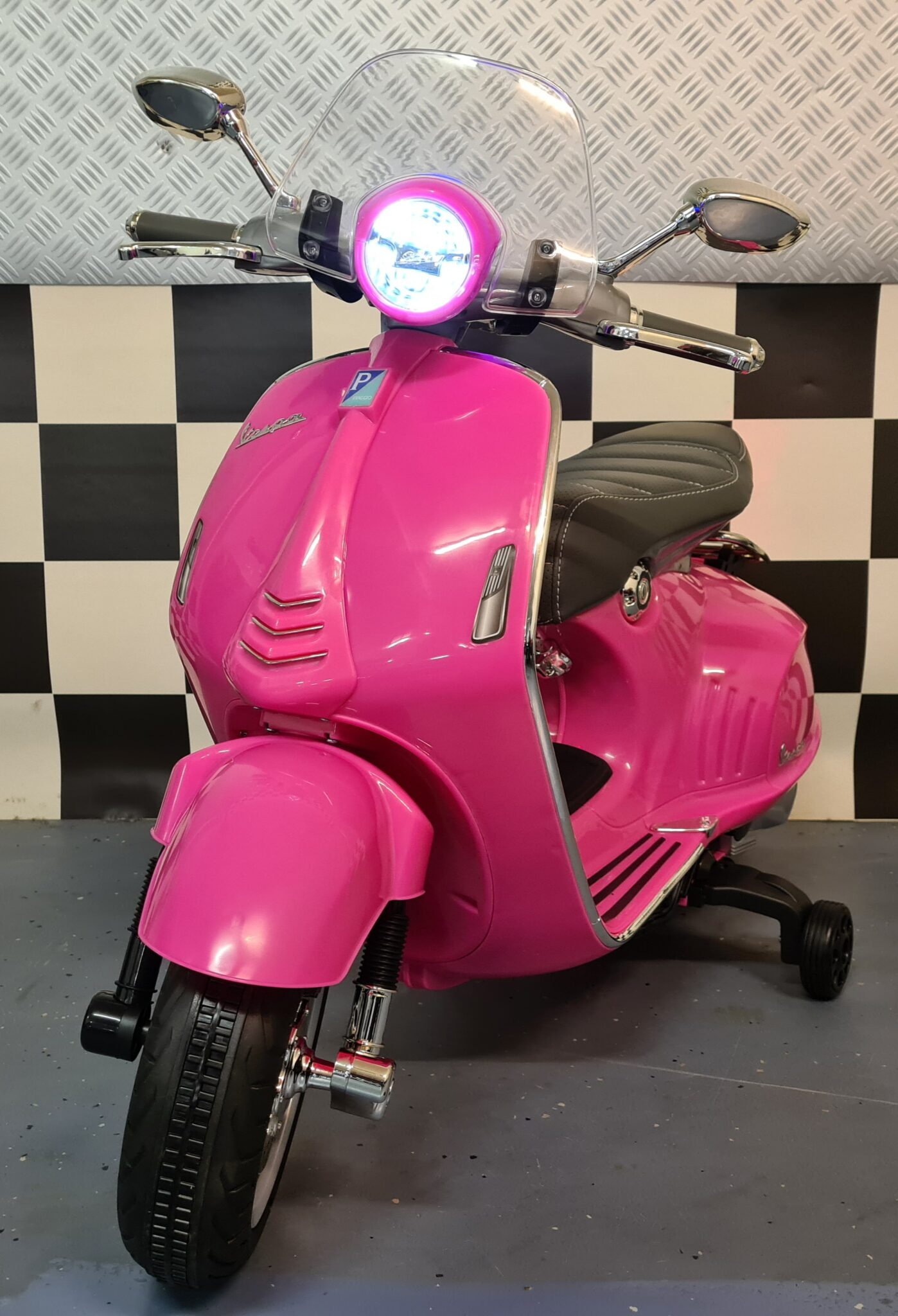 Vespa kinder accu scooter Vespa 946 12 volt roze
