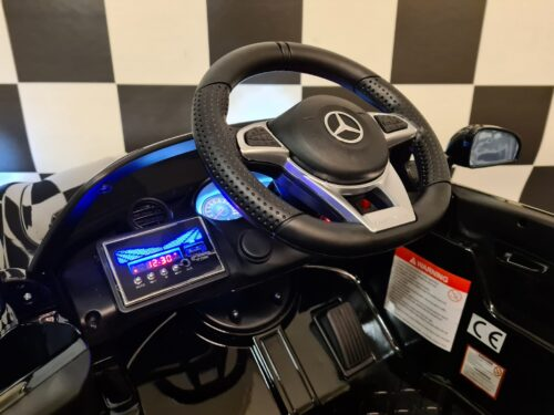 accu auto kind mercedes gtr