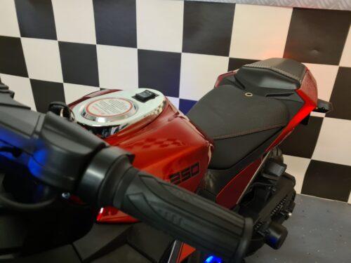 elektrische speelgoed motor Ninja rood