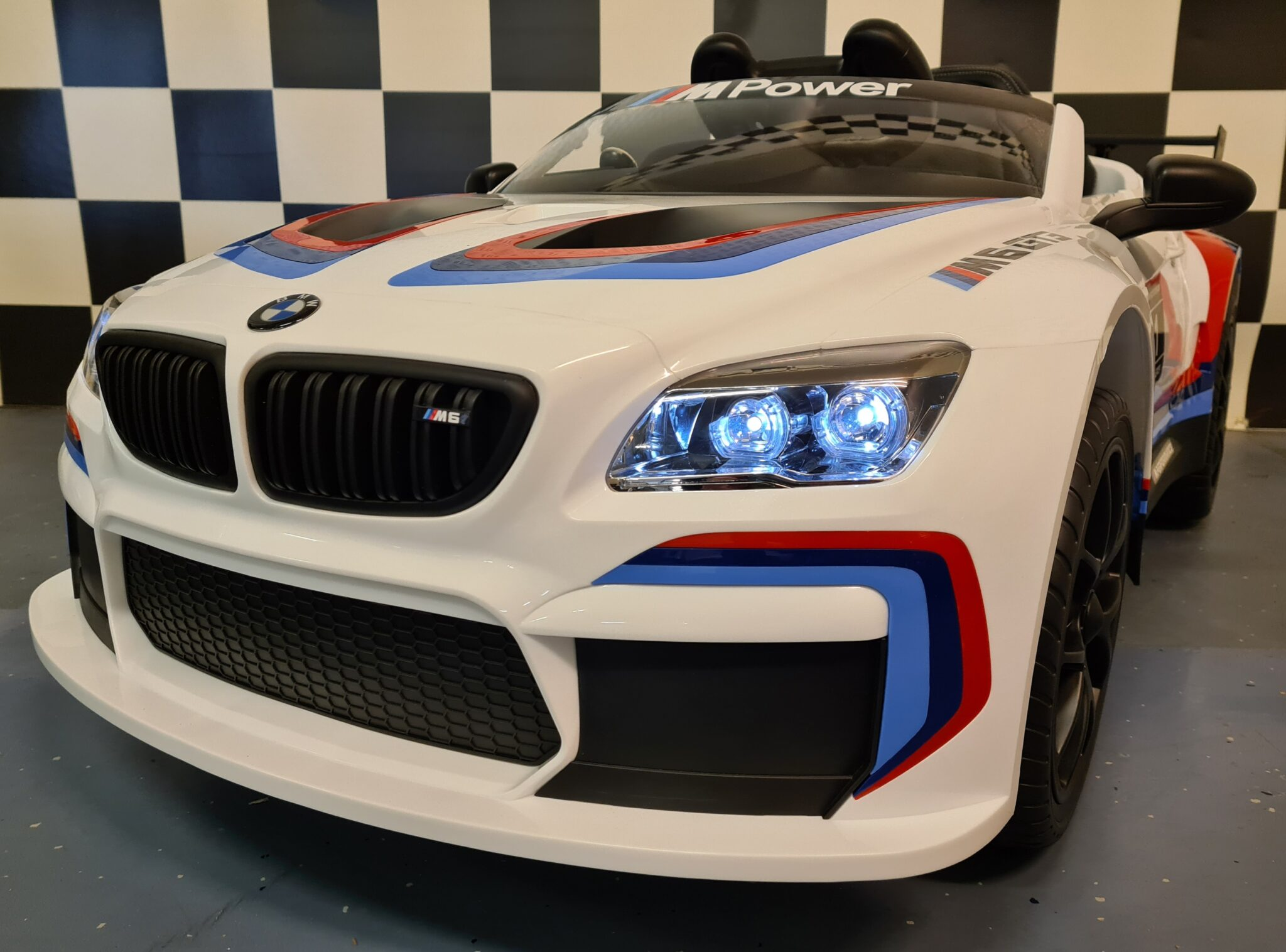 Kinderauto BMW M6 GT3 met afstandsbediening wit