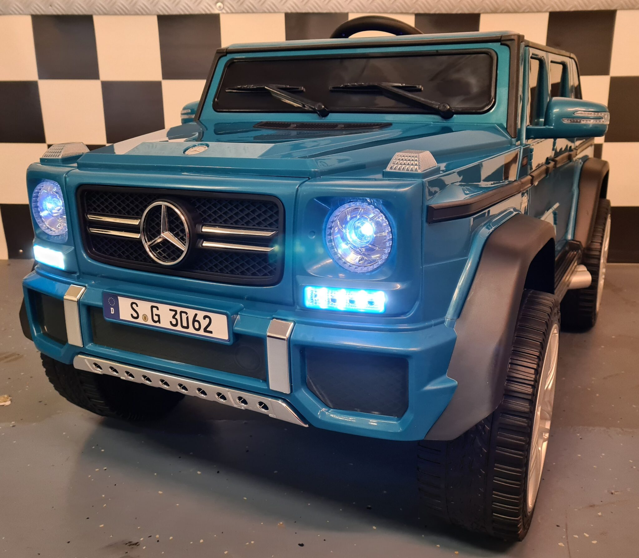 Kinderauto Mercedes Maybach G650 12Volt 1 persoons blauw