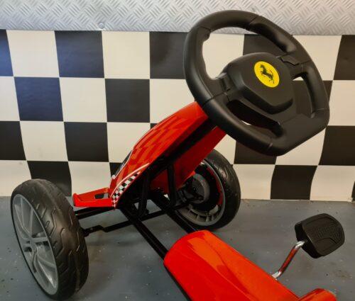 kinder skelter Ferrari