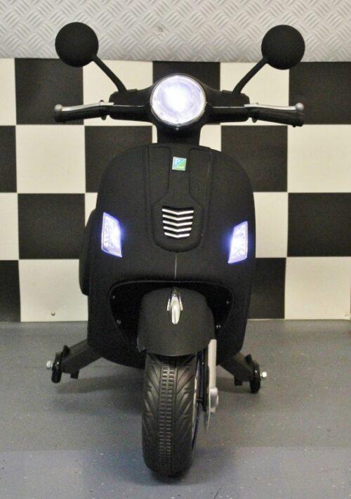 Elektrische kinderscooter 12 volt mat zwart