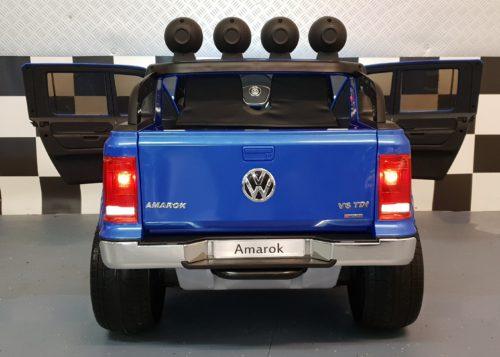 Blauwe VW Amarok elektrische kinderauto