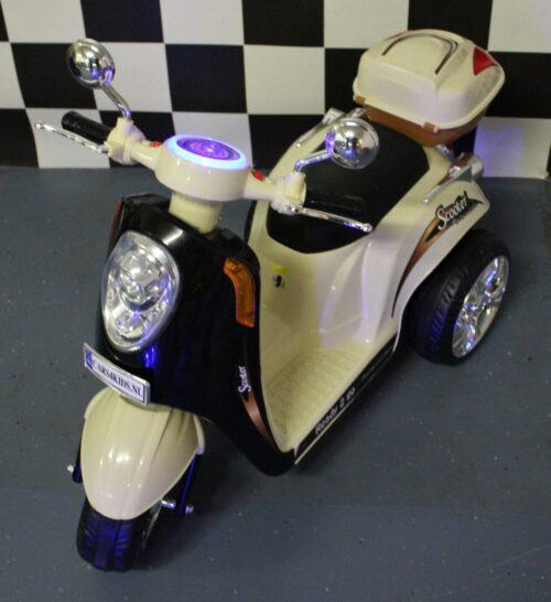 6 volt kinderscooter retro zwart beige