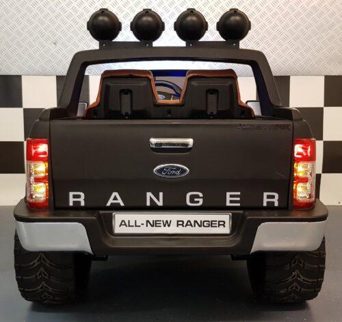 Mat zwarte Ford Ranger speelgoedauto 12v rc
