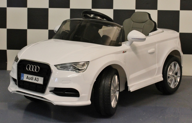 Audi A3 accu kinderauto 12V 2.4G RC/ leren zit wit
