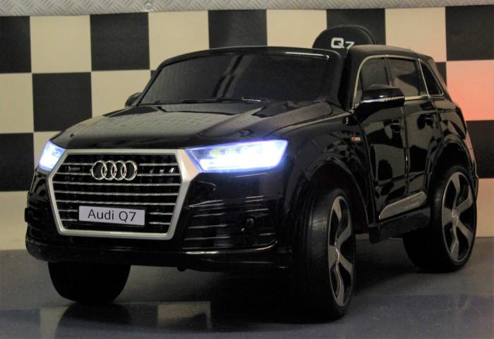 Kinderauto Audi Q7 metallic zwart 12V 2.4G RC