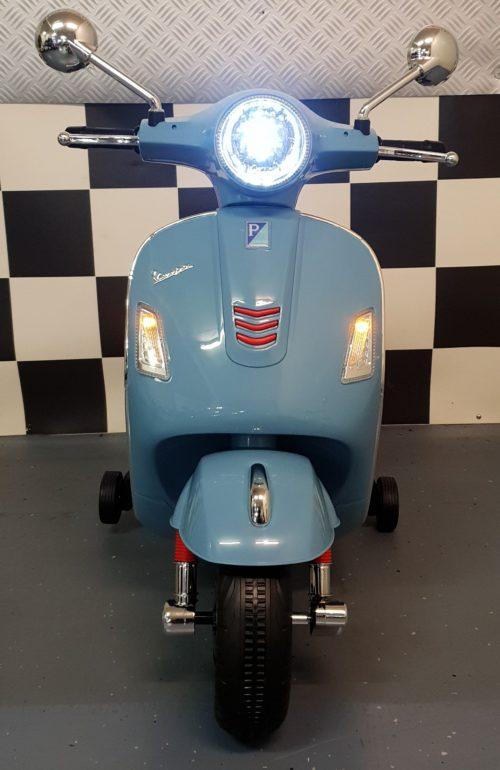 Elektrische Vespa kinderscooter blauw 12V