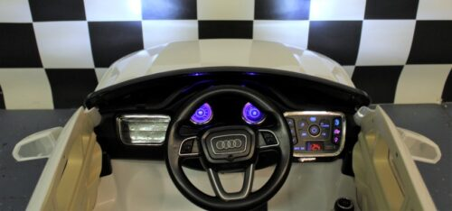 Dashboard Audi Q7 wit