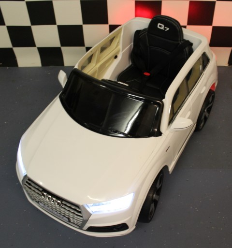 Kinderauto Audi Q7 wit 2.4G bestuurbaar 12 volt