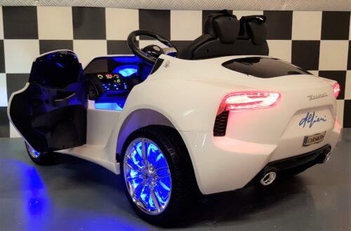 Witte Maserati speelgoedauto 12 volt accu en RC