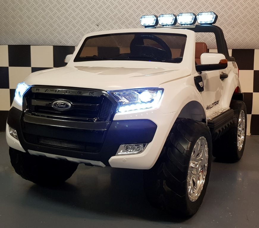 4WD Ford New Ranger kinderauto 2x12V 2.4G afstandsbediening MP4 wit