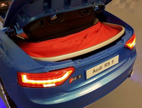 Kofferbak Audi RS5 kinderauto blauw